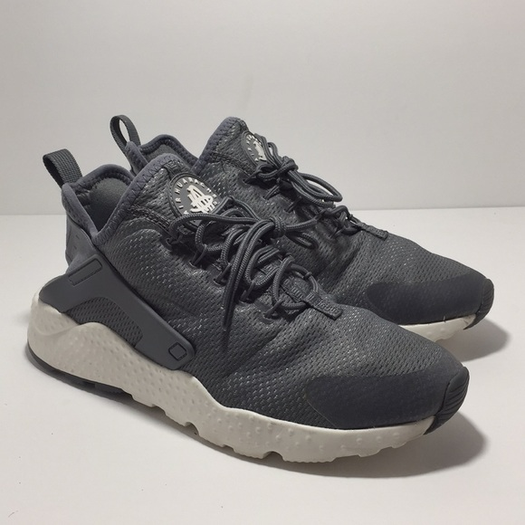 Nike Women's Air Huarache Run Ultra!!